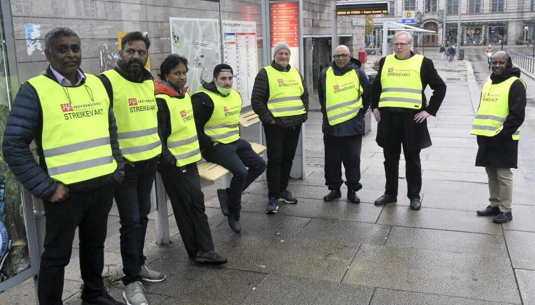 Kampviljen er på topp hos de streikende bussjåførene i Unibuss. — Vi har alt for liten innvirkning på vår egen hverdag, mener de.