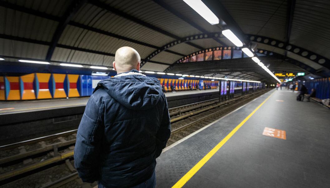 Vær forberedt på å måtte vente hvis du skal ta T-banen. Dårlig vær skaper utfordringer både for kollektiv- og biltrafikk i Oslo.
