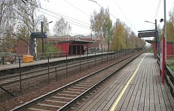 Tog evakuert ved Nyland stasjon etter funn av mistenkelig koffert: - Viste seg å være ufarlig