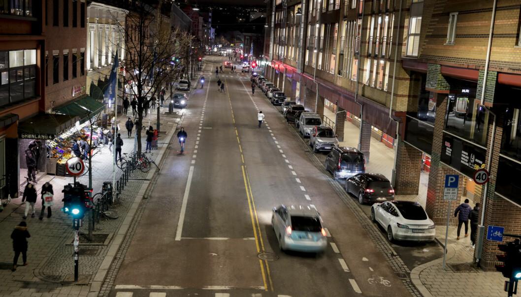 Grønlandsleiret og Gamle Oslo er den eneste av de indre bydelene der kommunen ikke har solgt flere beboerparkeringstillatelser enn det er p-plasser, viser nye tall.