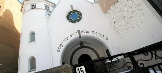 Høyreekstremist tatt med kniv utenfor synagogen i Bergstien