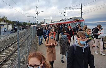 Stans i togtrafikken vest for Oslo S etter jordfeil på tognettet