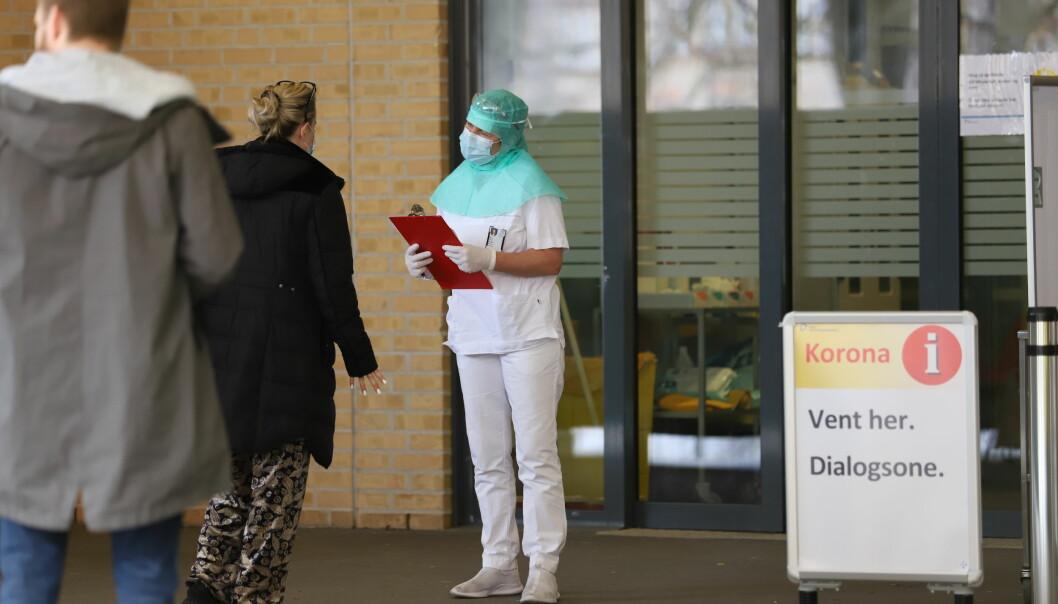 Kritisk helsepersonell blir nå vaksinert.