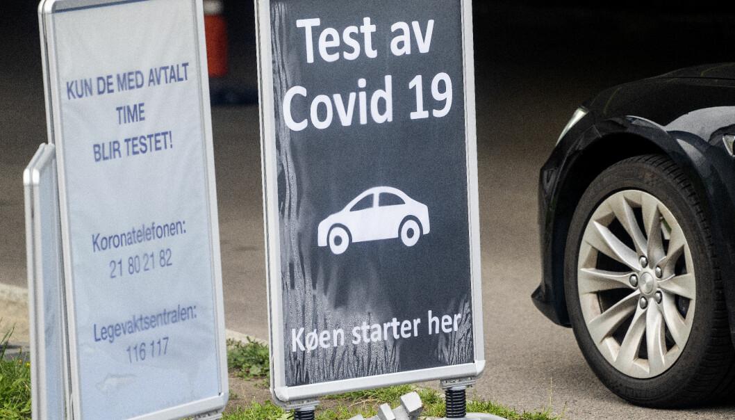 Test av Covid-19 skilt utenfor teststasjonen på Aker legevakt.