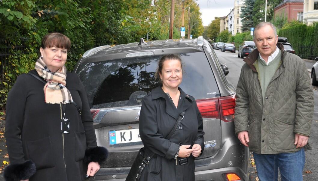 Fra venstre: Trude Mette Brovoll (Frp) Mette Burkeland (H) og Ulf-Arvid Mejlænder (Frp).