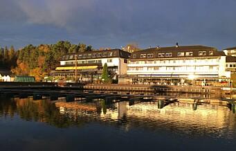 Bydelspolitikere fra Stovner har lukket budsjettmøte på fjordhotell. Med tre retters middag og gratis alkohol