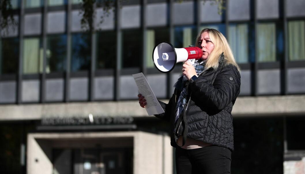 Parat-leder Unn Kristin Olsen holder appell, der hun ber NHO og arbeidsgiverne komme vekternes krav i møte.