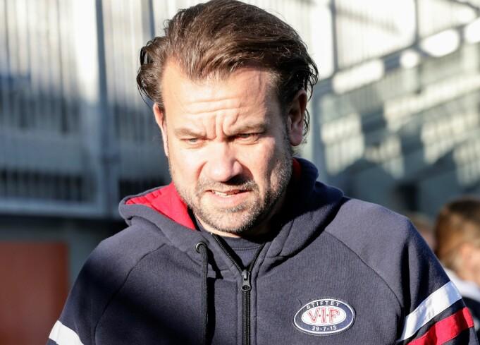 Vålerenga-trener Jack Majgaard Jensen var langt fra fornøyd med seg selv eller laget etter søndagens uavgjortresultat mot Rosenborg.
