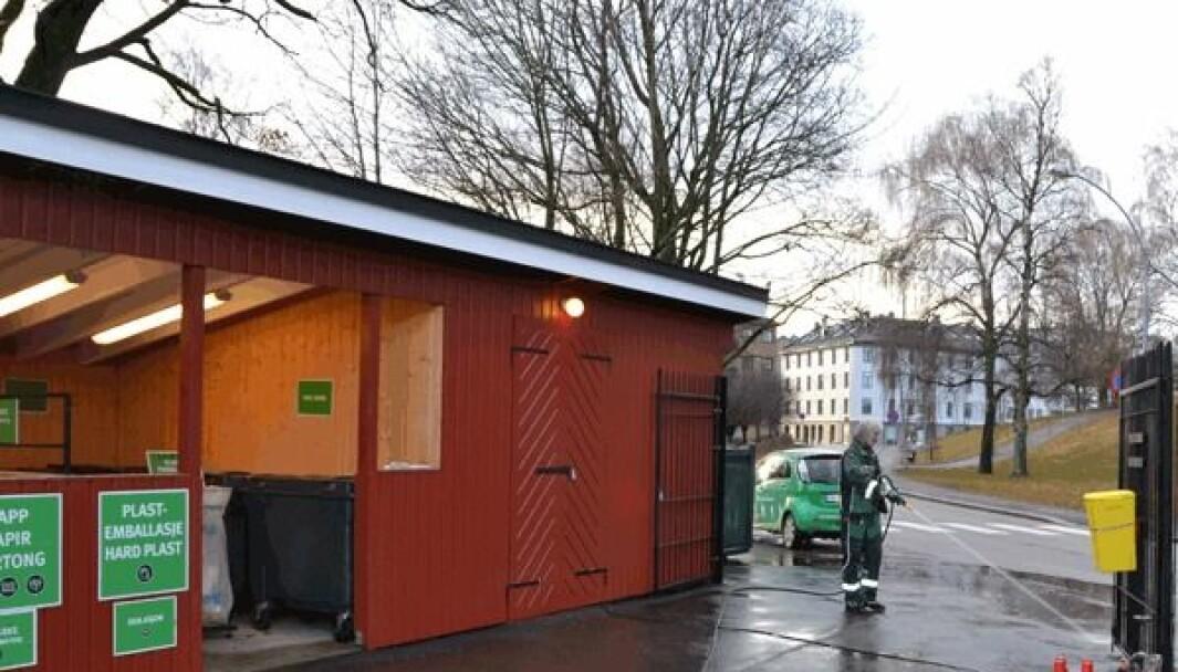 – Levering av avfall er ikke en strengt nødvendig kjøretur akkurat nå, sier Hans Petter Karlsen i Renovasjons- og gjenvinningsetaten. Bildet er fra Kampen gjenbruksstasjon.