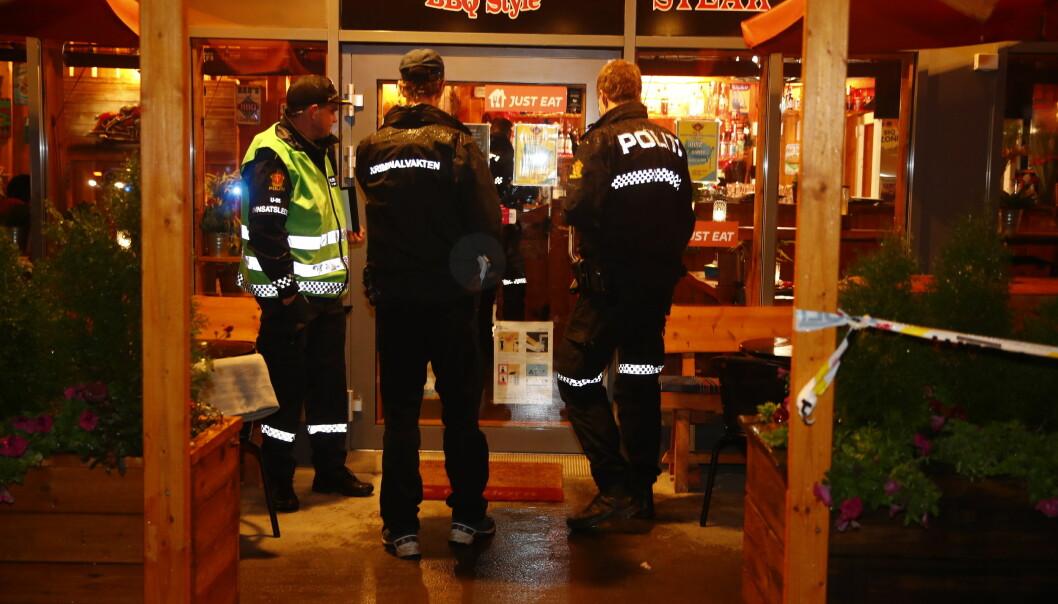 Politiet opplyser at de ikke leter etter flere gjerningspersoner i forbindelse med knivstikkingen på Årvoll senter.