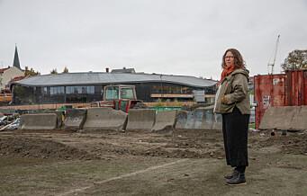 Tobarnsmor Pia er bekymret for utviklingen i Jordal idrettspark. – Vi er redd området blir tilholdssted for dårlige krefter og felleskapet går i oppløsning