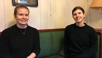 Ingrid Bergande (til v) og Ida Pedersen oppfordrer folk om å kåre organisasjoner til folkehelse- og frivillighetsprisen.