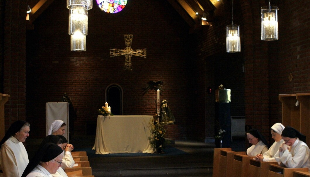 En nonne ved Lunden kloster i Groruddalen er isolert etter å ha blitt koronasmittet i Polen.