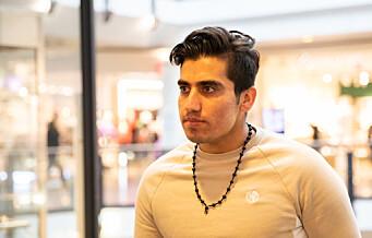 — Det er dyrt for en fattig student med 2000 kroner i bot for å glemme munnbindet, mener Mohammed (21)