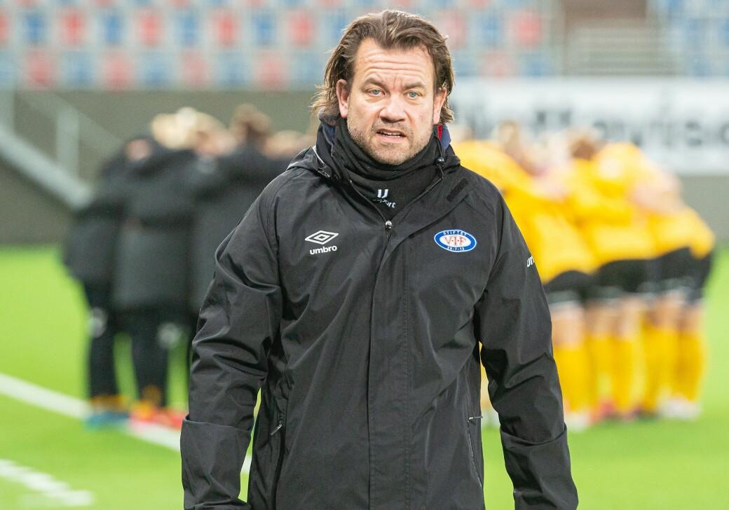 Danske Jack Majgaard Jensen har forlenget sin trenerkontrakt med Vålerengas damelag ut sesongen 2022.
