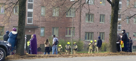 Brannvesenet har klart å hente ut personer som ikke kom seg ut av brennende bygg i Christian Michelsens gate ved Carl Berner
