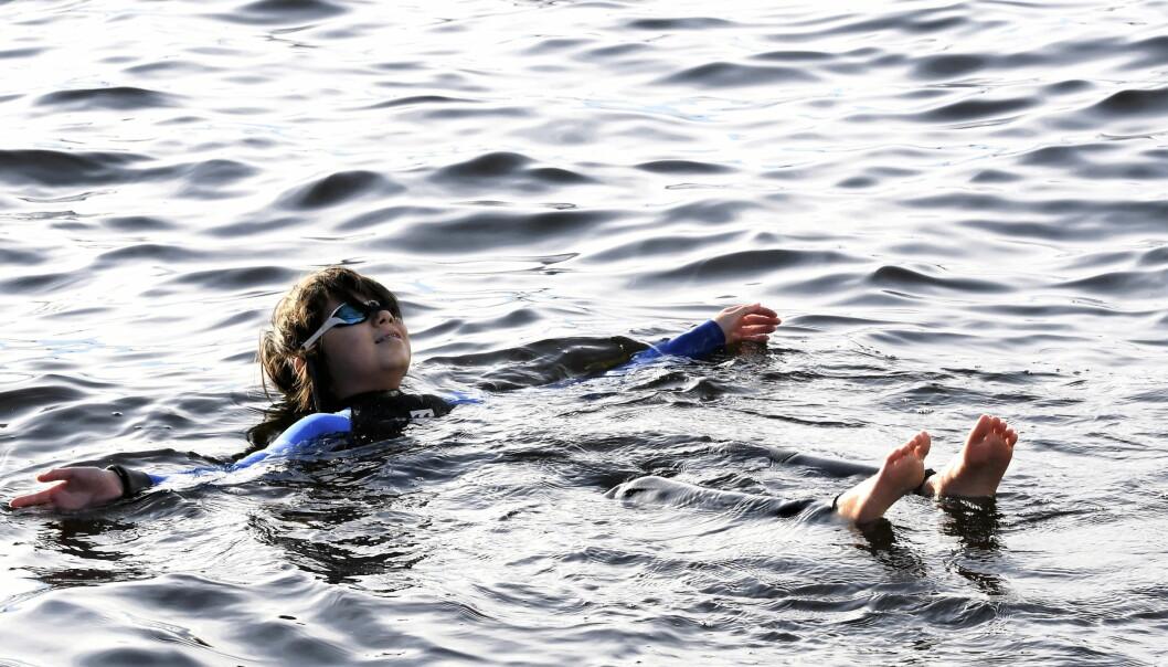 Finnes det noen bedre følelse enn å ligge trygt og flyte i sjøvann?