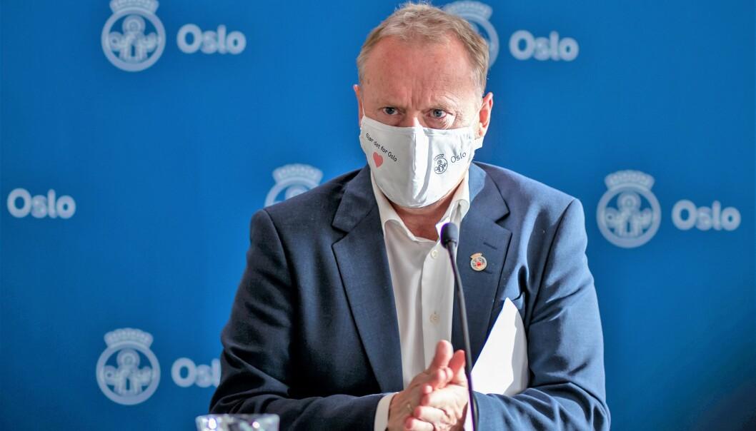 Raymond Johansen mener importsmitte er den viktigste årsaken til den raskt voksende smittekurven i Oslo.