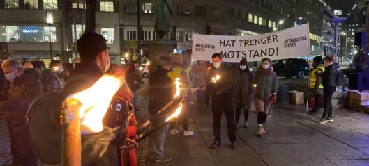 Krystallnatten markert utenfor Nationaltheateret: - Jøder i Norge skal ikke utsettes for hets og trusler
