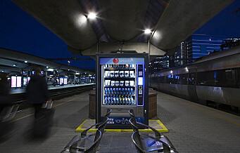 Automater med munnbind og Antibac satt ut på Oslo S