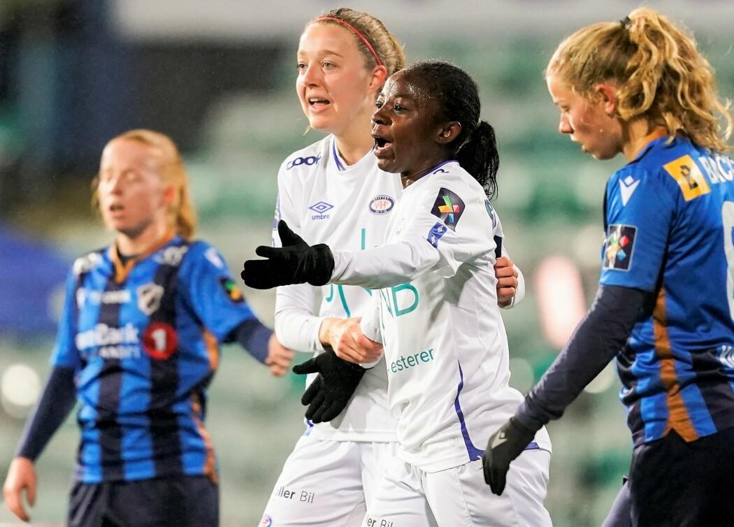 Toppscorer Ajara Njoya ga Vålerenga en tidlig ledelse mot Stabæk i onsdagens siste kvartfinale for kvinner.