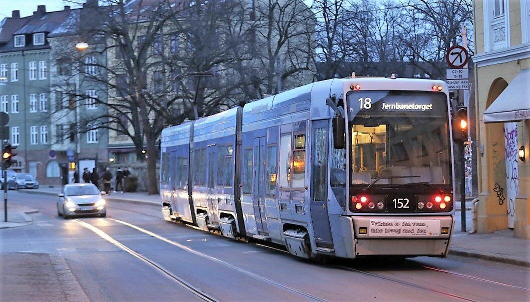 Lokalpolitikerne i bydel Gamle Oslo vil ha trikk og buss tilbake i sentrale deler av Gamlebyen.