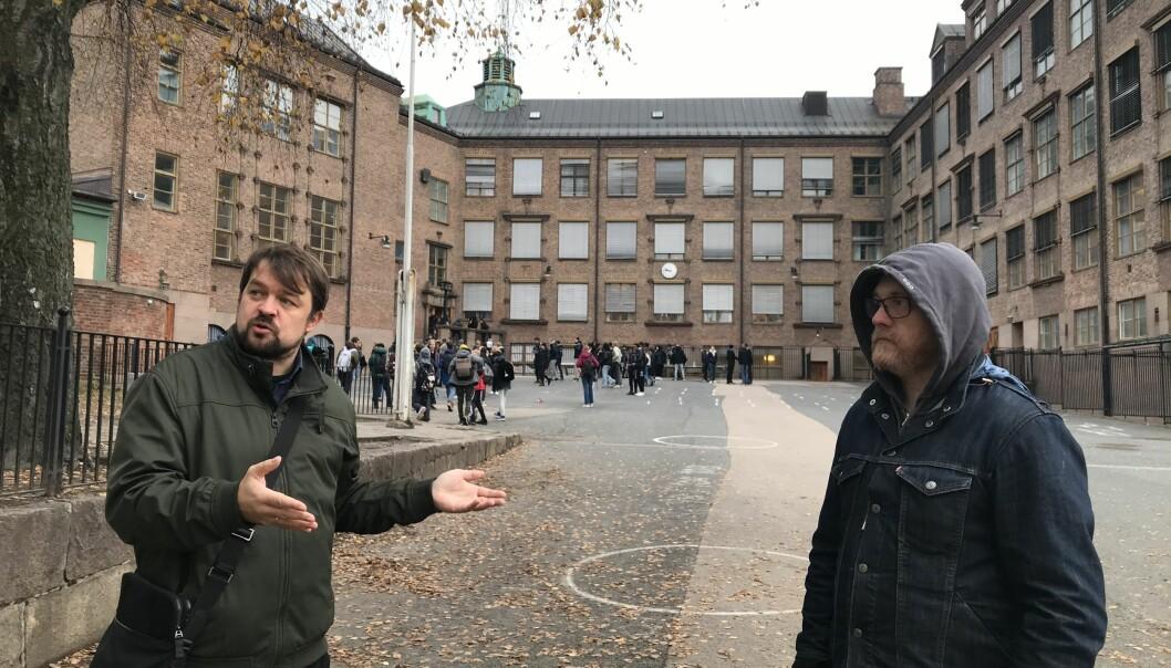 Foreldrerepresentantene Tommy Bull Henstein (t.h.) og Torkild Hovde Lyngstad ønsket en utvidelse av skolegården på Sagene Det sa bystyret nei til onsdag kveld.
