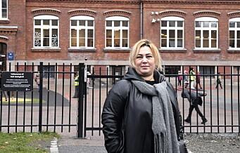 Foreldre ved Vahl skole tør ikke annet enn å følge barna til skolen. — Mange flytter på grunn av usikkerhet, sier FAU-lederen