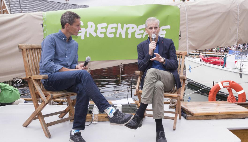 Truls Gulowsen i samtale med Jonas Gahr Støre (AP) under Arendalsuka.