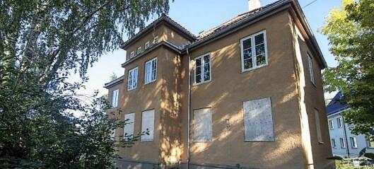 De fem verneverdige murvillaene i Ekebergskrenten er lagt ut for salg. — Et svik mot lokaldemokratiet, sier Rødt-politiker
