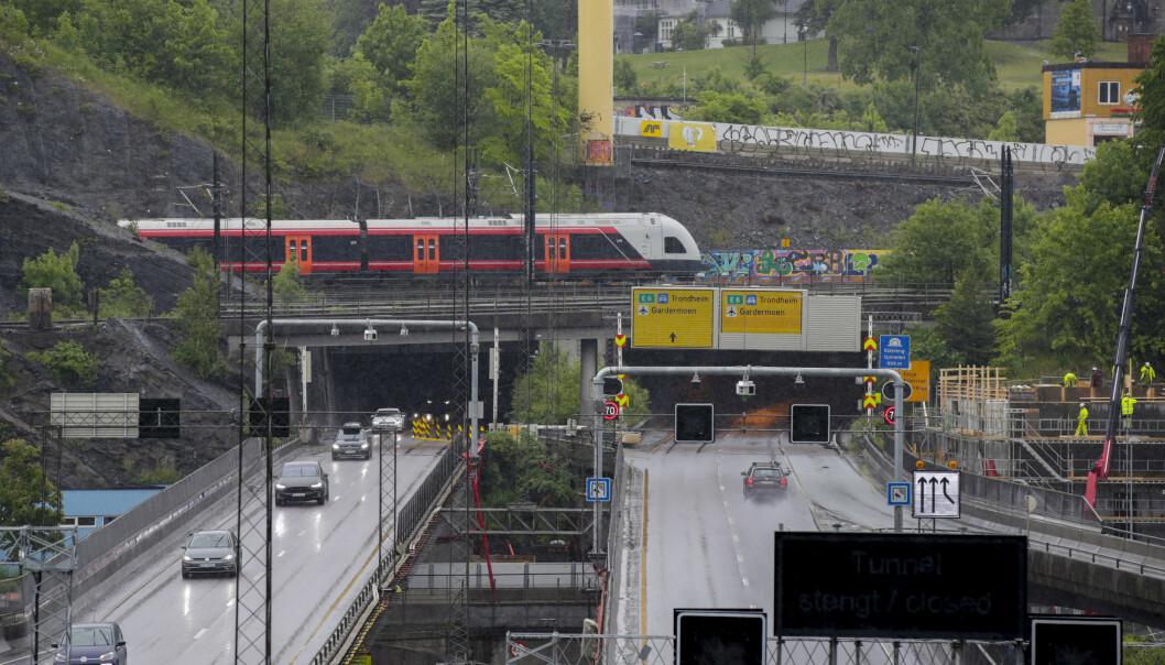 Natt til søndag stenges sørgående løp i Vålerengtunnelen på E6 i Oslo.