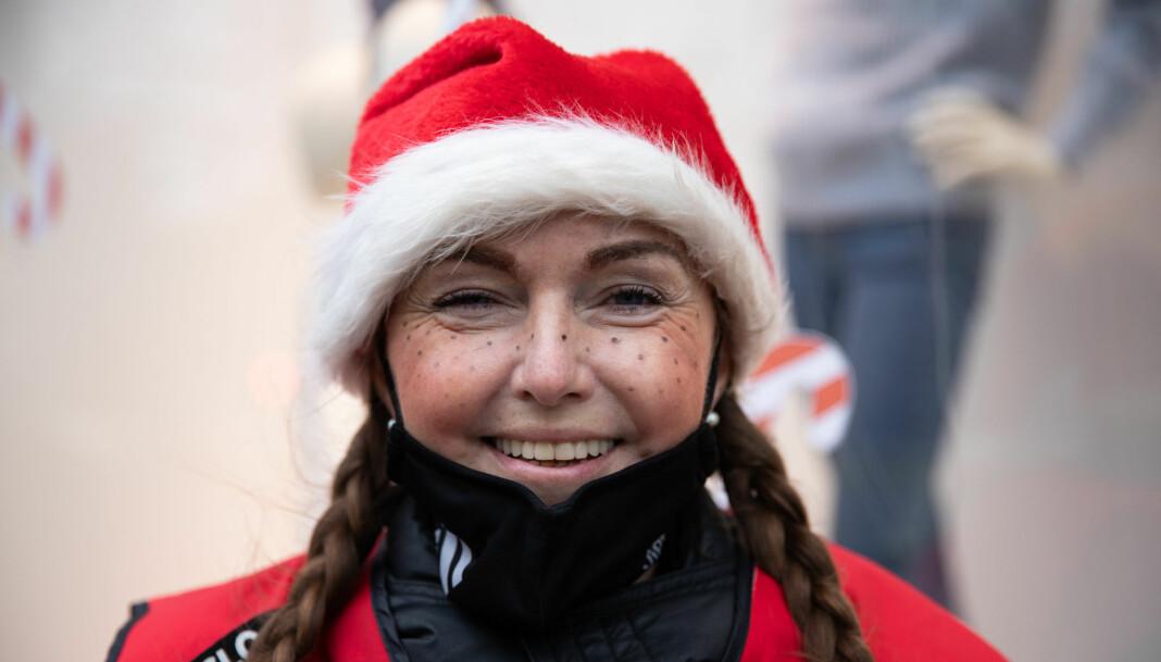 —Det er viktig for oss at juleboka selger godt, sier magasinselger Janne.