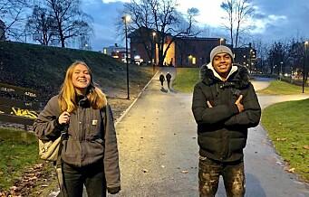 Naif (15) og Oda (15) fra Jordal og Fagerborg laget koronavideoer for ungdom. — Vi håper vi kan bidra til at smittetallet blant de unge går ned. Se videoene