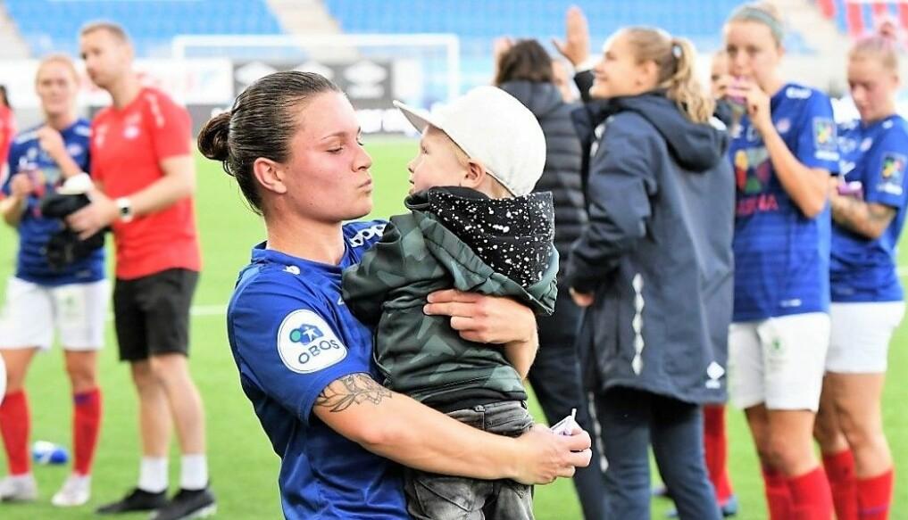 Sønnen Jens og resten av familien er en sentral grunn til at Sherida Spitse nå forlater Intility arena og Norge og drar tilbake til hjemlandet Nederland.