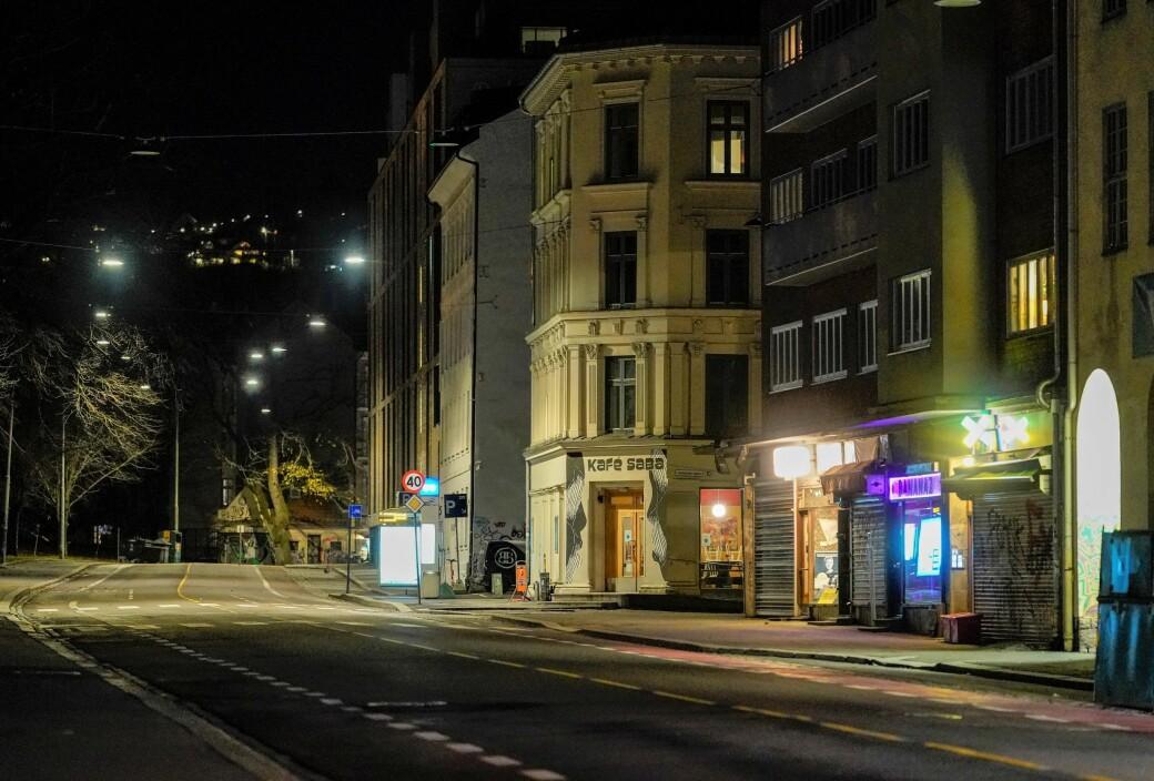Natt til søndag var det to ulovlige arrangementer som ble stanset bare et par steinkast fra Politihuset på Grønland.