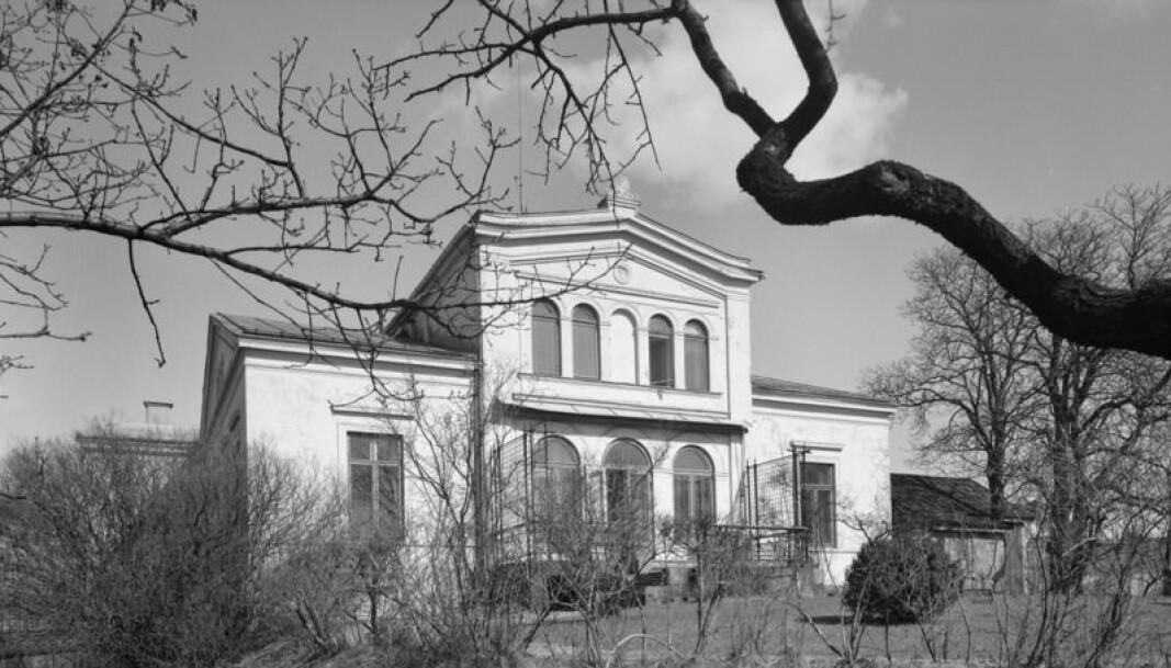 Framnes murvilla i Munkedamsveien 92 på Skillebekk. Villaen sto på odden ut mot Frognerkilen, med et stort hageanlegg.
