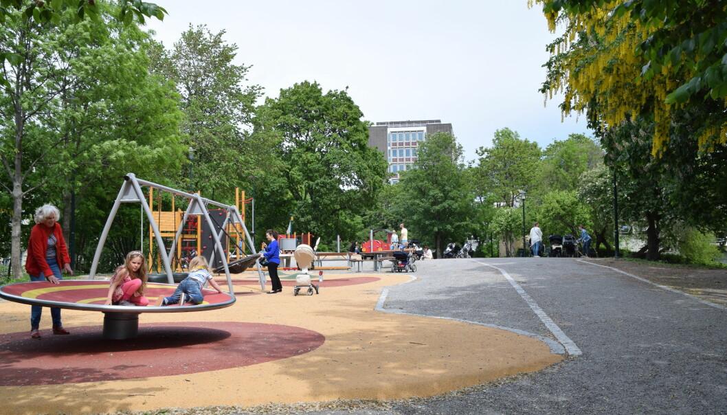 Kommunen har bygget en lekepark på Tinker'n.