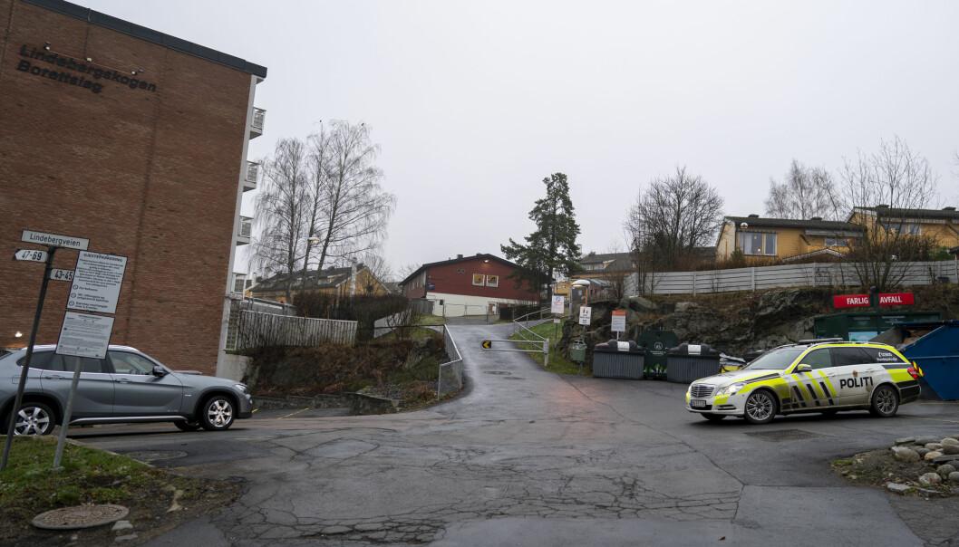 Politiet rykket ut til Lindeberg skole i Oslo etter et slagsmål med flere unge personer involvert.