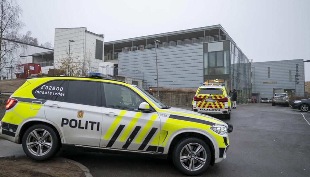 Den skadde 14-åringen ble sendt til sykehus med alvorlige, men ikke livstruende stikkskader, opplyser politiet.