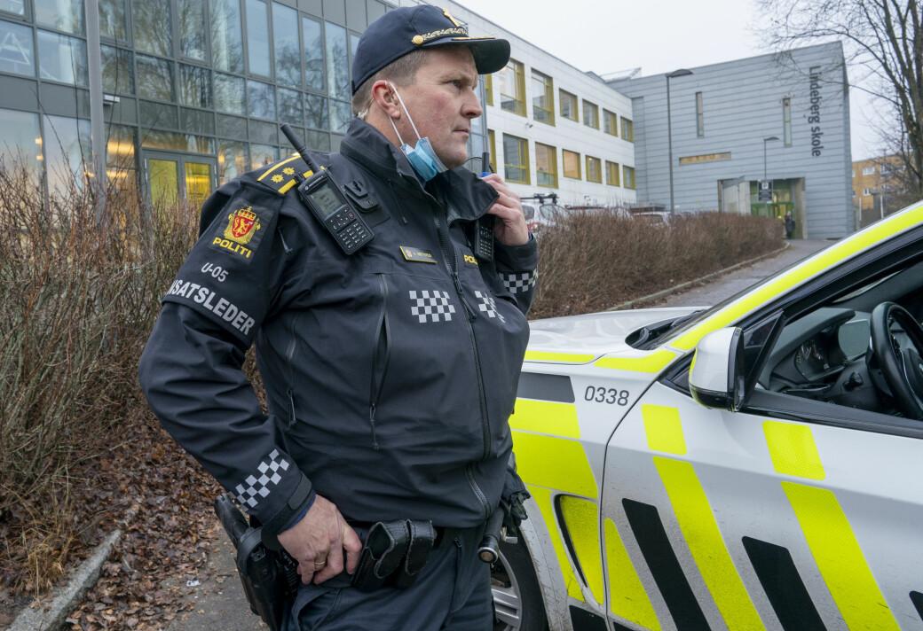 Politiets innsatsleder Arve Røtterud på Lindeberg etter voldshendelsen.