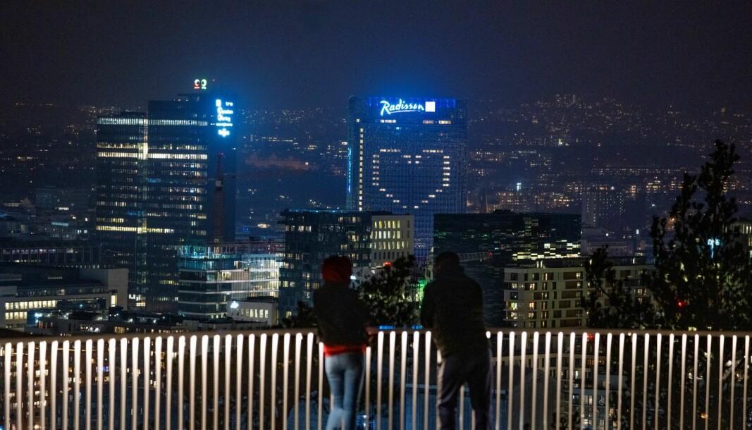 Amedia og Schibsted har i en årrekke og til tross for milliarder i statsstøtte latt være å prioritere Oslos befolkning, mener skribenten