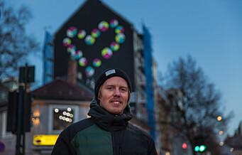 Lasse (34) malte et digert Black Lives Matter-hjerte midt på Grønland