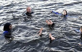 Oslo Badstuforening vil ha alle byens 7. klassinger til svømmetimer i Bjørvika: - Det kan redde noen fra drukningsdøden