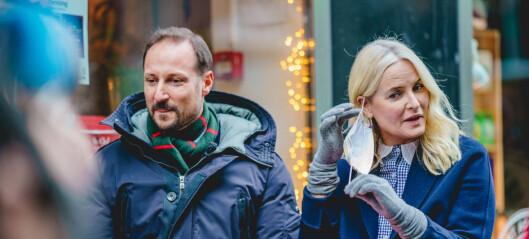 Haakon og Mette-Marit på julebesøk hos =Kaffe i Akersgata