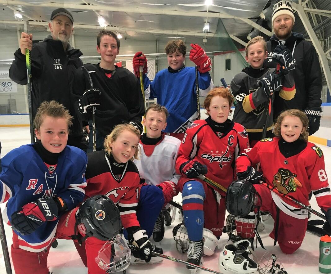 Det er mange hundre unge som ikke får trene ishockey for fullt nå. Hvorfor er det slik, spør styreleder Simen Torgersen i Vålerenga Ishockeys breddeavdeling.