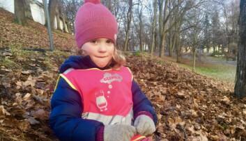 Alma Vilje (5) mener det er viktig å være med på å redde dyrene. Derfor blir hun også med og plukker søppel.
