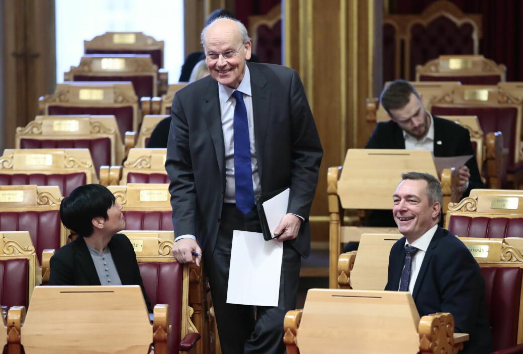 Utenriksminister Ine Eriksen Søreide (H) topper Oslo Høyres stortingsliste mens stortingsrepresentant Michael Tetzschner kapret sjetteplassen etter kampvotering mot Stefan Heggelund. Til høyre i bildet forsvarsminister Frank Bakke-Jensen (H).
