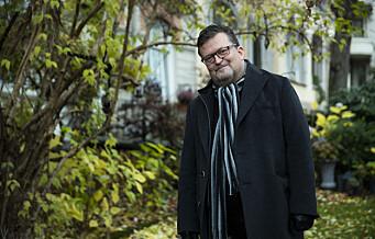 Forfatter Erik Fosnes Hansen trygler Hareide om hjelp mot elsparkesyklene. – Jeg er livredd