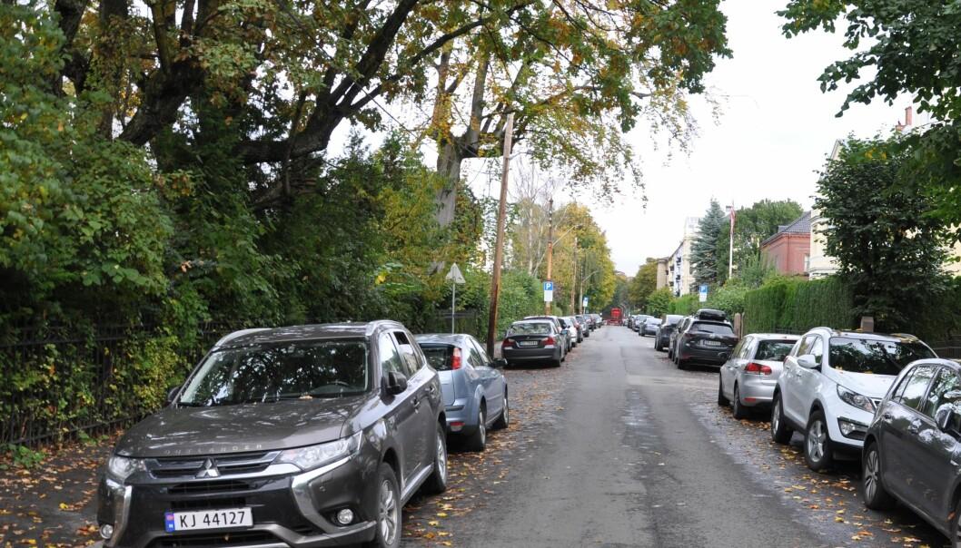 Byrådets maksgrense i ny parkeringsnorm vil presse enda flere biler fra parkering på egen grunn og ut i gatene, frykter Frps Camilla Wilhelmsen.