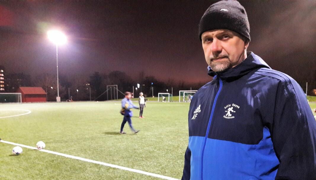 Leder i Lille Tøyen fotballklubb, Andreas Fætten, ønsker at nærmiljøet skal kunne bruke lokalbanene hele året